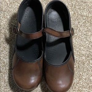 Dansko clogs Mary Janes size 38 brown almost new!